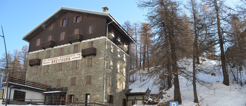 italy_cervinia_hotel-breithorn_exterior.jpg